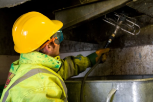 Обработка мусоропроводов в домах в Москве