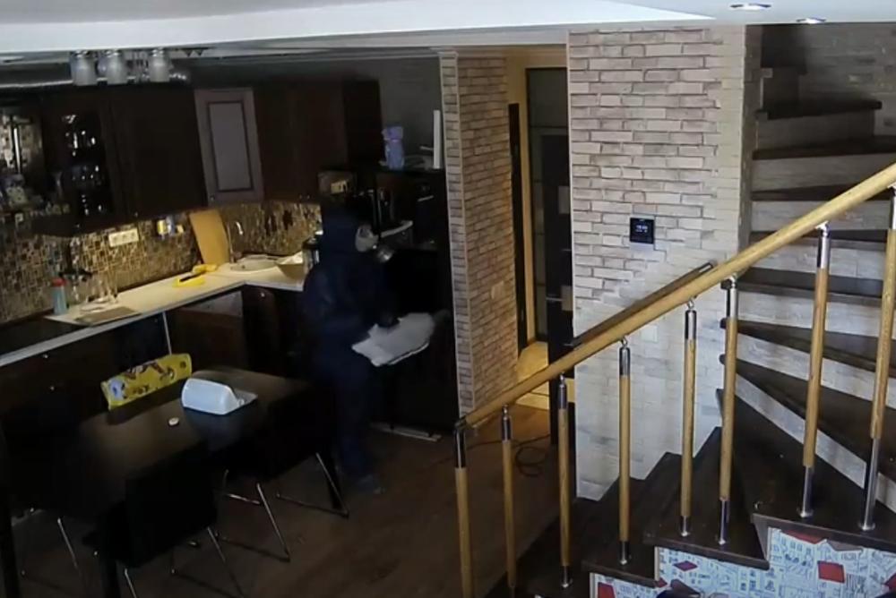Заказать дезинфекцию квартиры в Москве